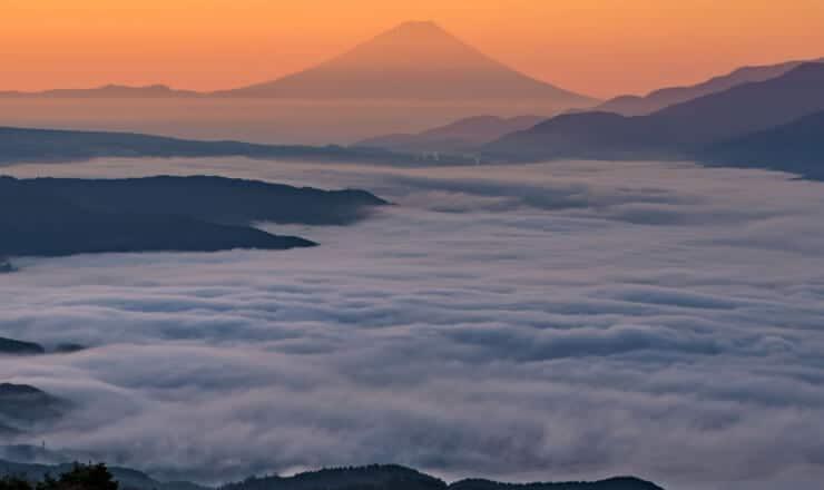 高ボッチ高原から見る富士山と雲海
